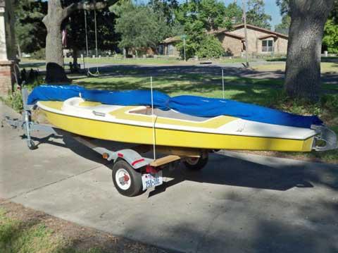 Dolphin Senior, 14', 1978 model sailboat