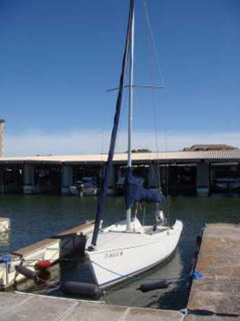Ideal 18, 2001 sailboat
