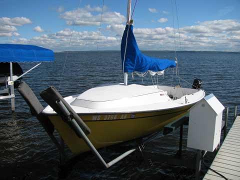 S2 5.5, 1983 sailboat