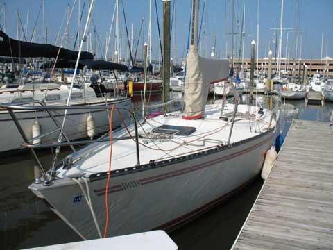 Tartan 10, 33 ft sailboat