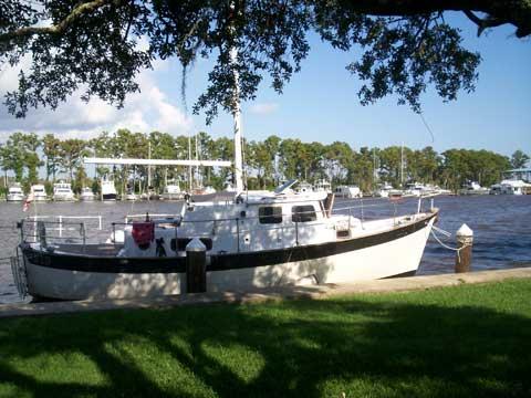 Willard Vega Motor Sailor, 30', 1973 sailboat