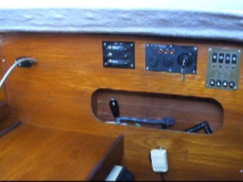 Beneteau 26 sailboat VIDEO, click to start