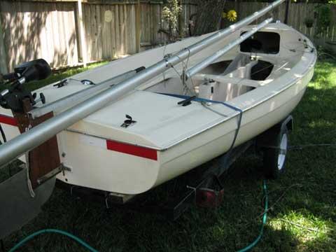Advance Sweet 16, 1972 sailboat