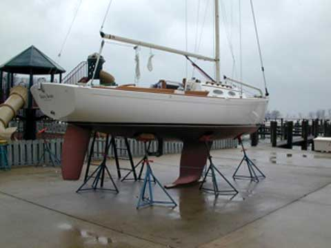 Alerion Express 28 sailboat