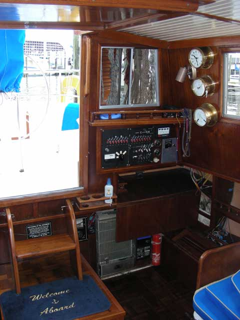 Allmand Pilothouse 35 yacht
