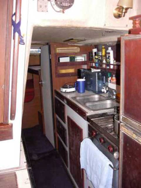 1978 Bayliner Buccaneer 325 sailboat