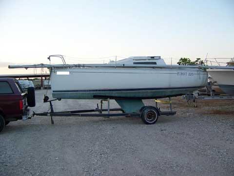 Beneteau First 235, 23� 1987 sailboat