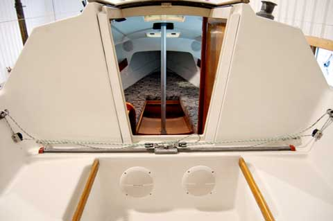 Beneteau First 23.5, 1987 sailboat