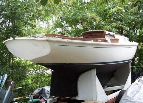 Bristol 19 sailboat