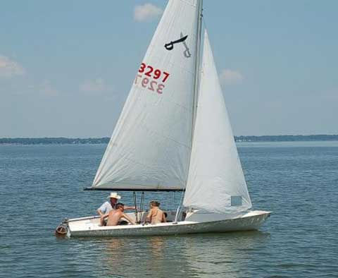 Chrysler Buccaneer 18, 1979 sailboat