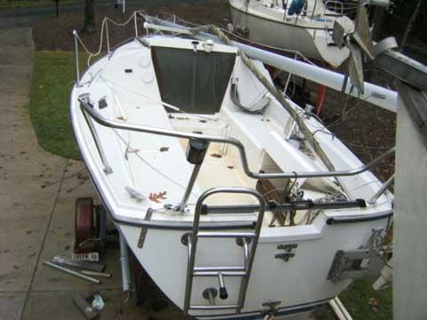 Cal 22 sailboat