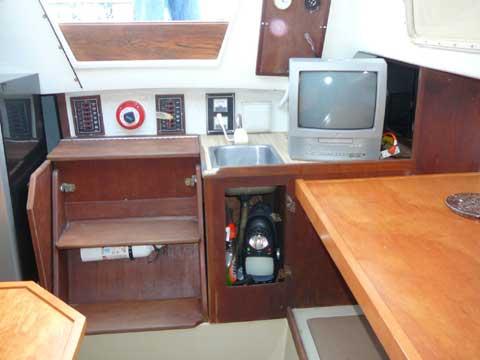 Cal 2-25, 1979 sailboat