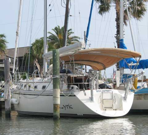 Caliber 40LRC sailboat
