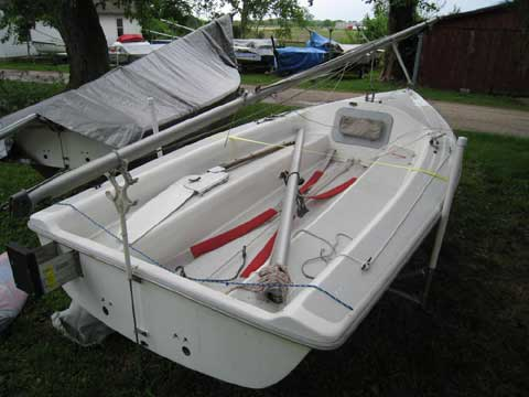 Catalina Capri 16.5, 1995 sailboat