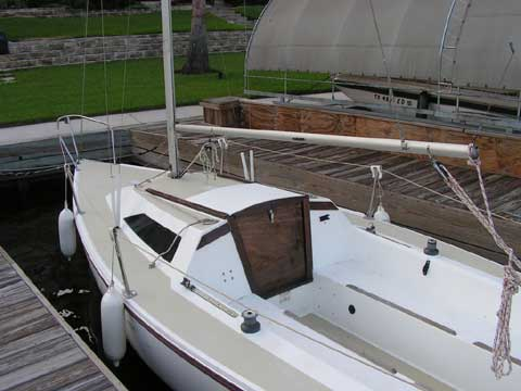Catalina Capri 22, 1988 sailboat