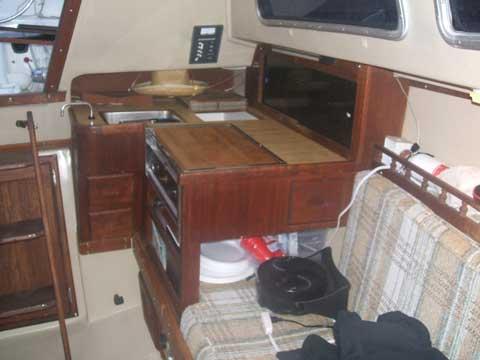 Catalina 27, 1982 sailboat