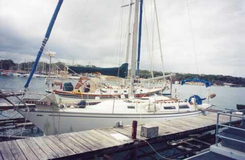 Catalina 38', 1981 sailboat