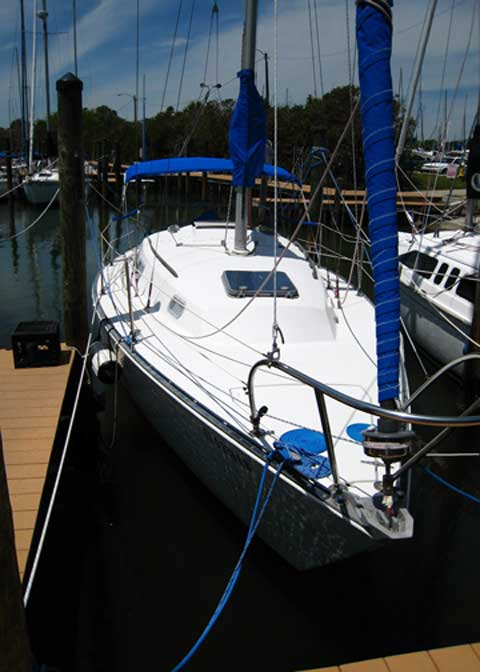 c c 29 sailboat Mainsheets are simple hardware systems typical boat length: small boat: 22' - 28' (67 - 85 m) midrange: 29' - 34' (88 - 104 m) big boat: so it rolls freely the sheet leads forward along the boom before it turns down and aft to winches used on race boats like the farr® 40.