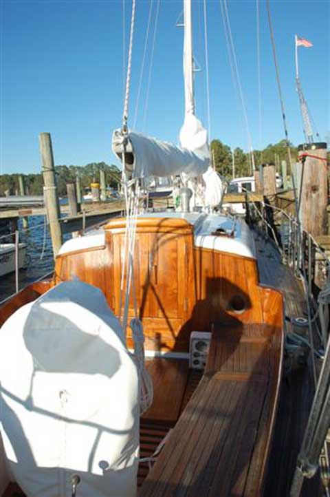 Cheoy Lee 31 sailboat
