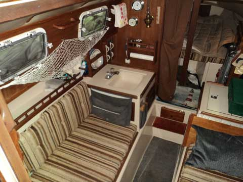 Sailboat Trailer For Sale >> Commodore 26, 1983, Duluth, Minnesota sailboat for sale