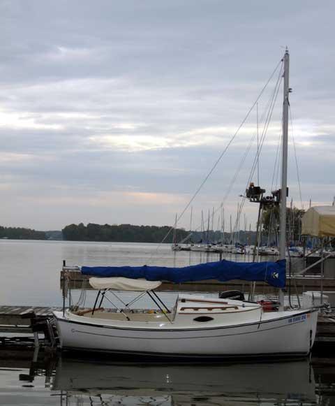 Compac Suncat 17 sailboat