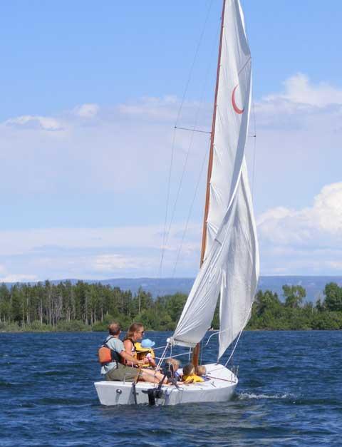 Crescent 15.5, 1965 sailboat