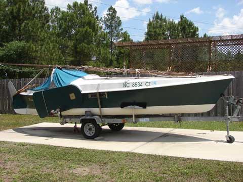 Dovekie sailboat