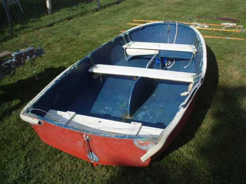 Dyer 9 sailboat
