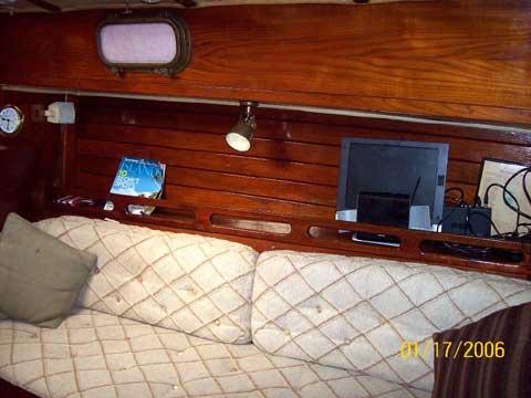 Ericson 31, Independance, 1979 sailboat