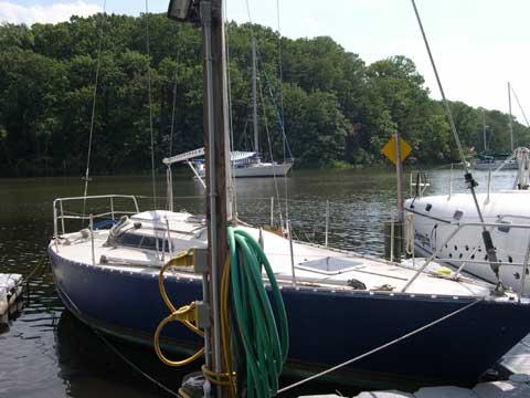 Golden Shamrock 30 sailboat