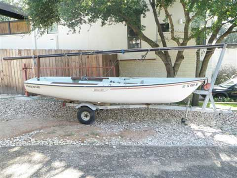 Boston Whaler Harpoon 4.6, 1980 sailboat