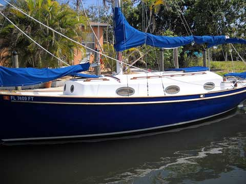 H-28, 1984 sailboat