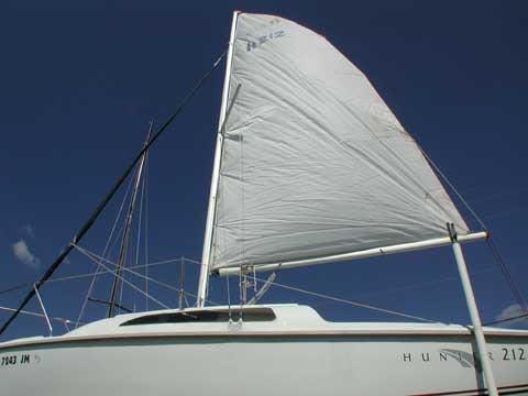 Hunter 212 sailboat