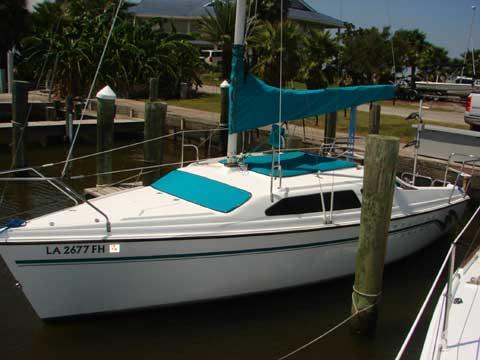 Hunter 23.5 sailboat