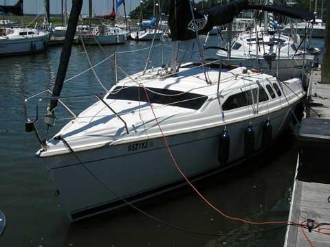 Hunter 240, 2000 sailboat