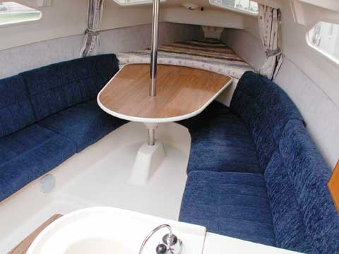Hunter 260, 2004 sailboat