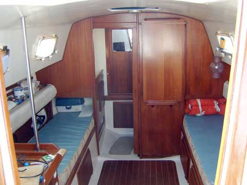 Hunter 27 sailboat