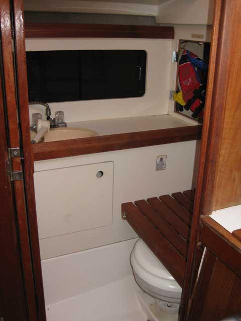 Hunter 28.5 sailboat