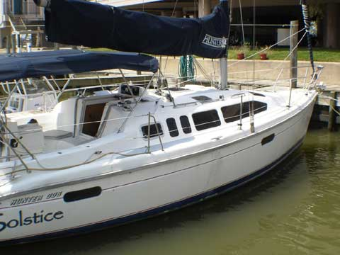 Hunter 336, 33' 1996 sailboat