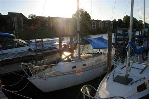Irwin 28, 1974 sailboat