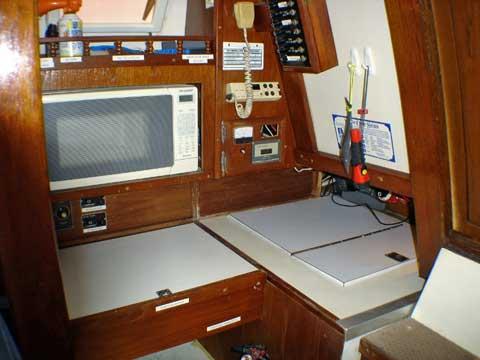 Islander 33, 1974 sailboat