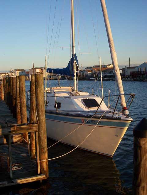 Laguna 26 sailboat