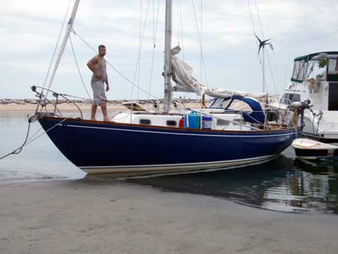 Allied Luders 33 sailboat
