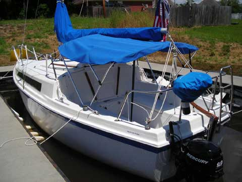 Service Battery Charging System >> Macgregor 25 sailboat for sale