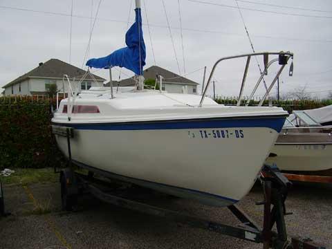 Macgregor 25 sailboat