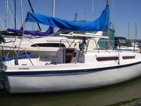 Macgregor 25 Sailboat For Sale