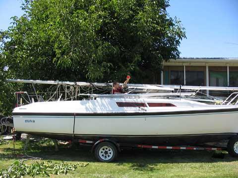 Macgregor 26D sailboat