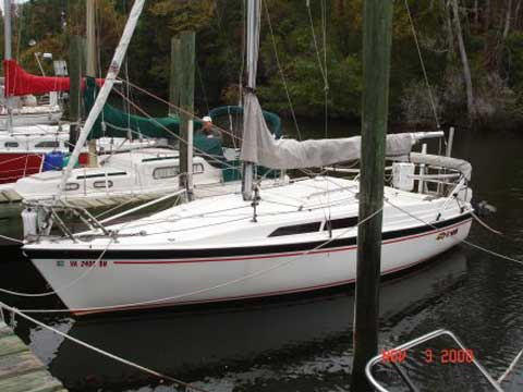 Macgregor 26S sailboat