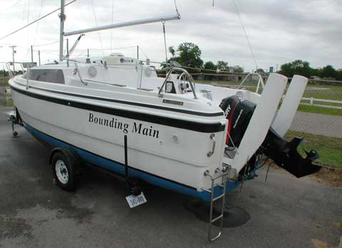 MacGregor 26X, 2001 sailboat