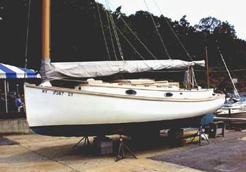 1986 Marshall 22 Catboat sailboat